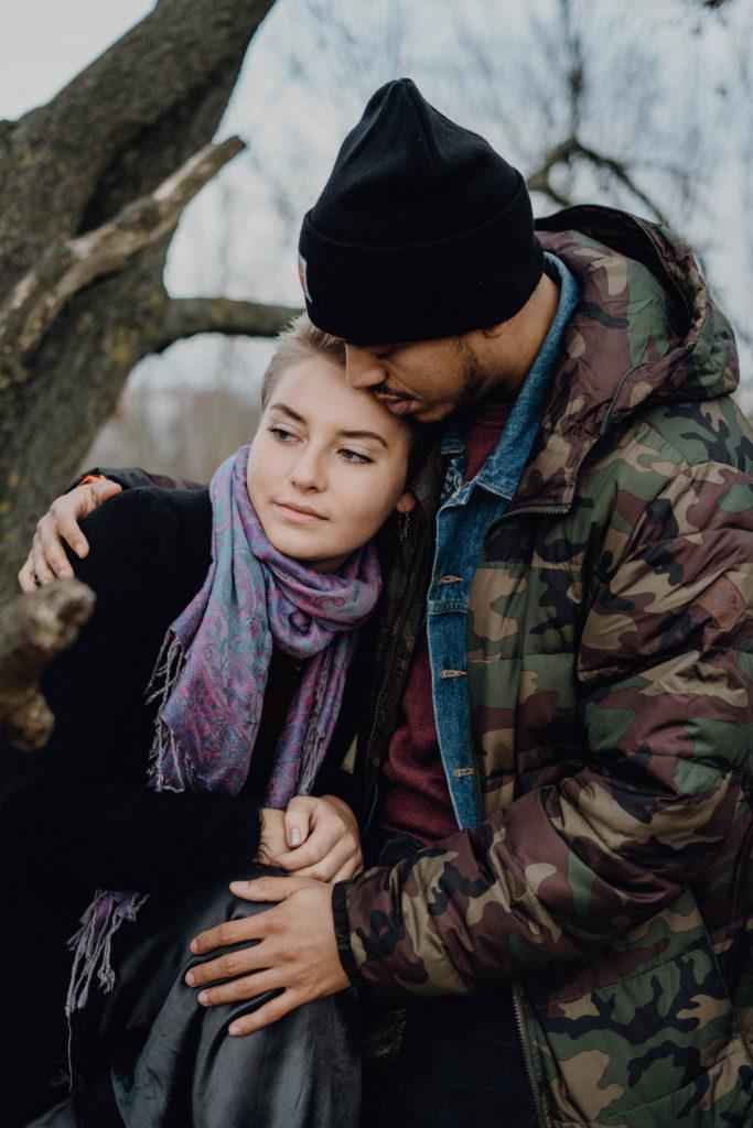 couple photoshoot engagementcouple photoshoot engagement